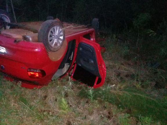 Despiste terminó con tres lesionados en Ruta Provincial 225