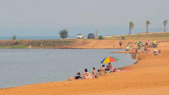 Sigue el  calor  y se espera  la habilitación de playas