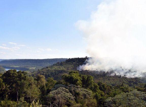 Los focos de incendios se propagan en distintos puntos de la provincia