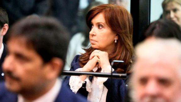 Sobreseyeron  a CFK en una causa derivada de los cuadernos