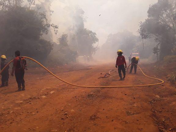 La lluvia alivia la situación en los incendios del Yabotí