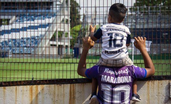 Sin fútbol el viernes por la muerte de Maradona: los cambios en la próxima fecha