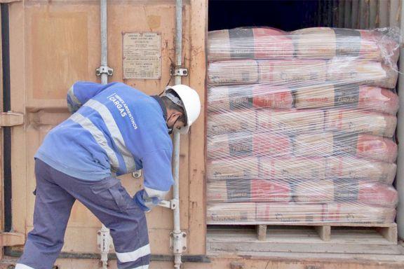El tren de carga transporta por mes 10 mil toneladas de pasta y cemento
