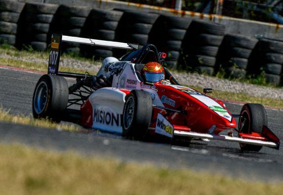 Fórmula Renault 2.0: Chiappella tuvo un sábado complicado por la lluvia