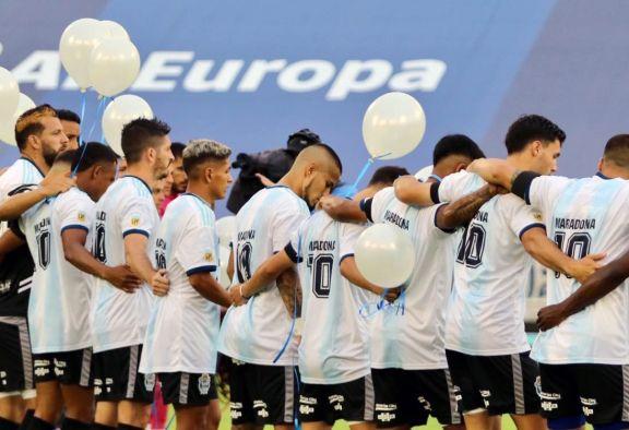 La emoción del fútbol argentino por la muerte de Maradona