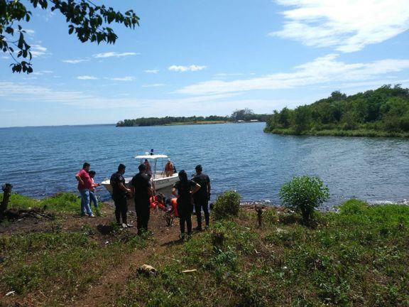 Agente de Policía murió ahogado tras salvarle la vida a una joven