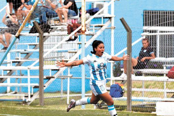 Fútbol femenino: Otazú, clave en la victoria de la Academia