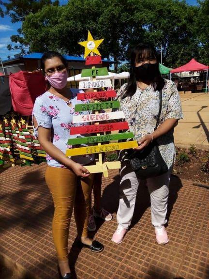 Entregaron arbolitos solidarios en Montecarlo