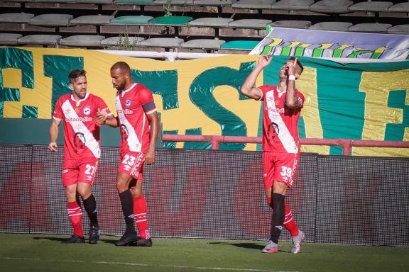 Argentinos juniors ganó a pura contudencia en Mar del Plata