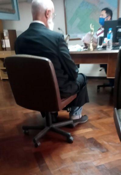 Se entregó el sacerdote acusado de abuso y afirmó no recordar a la denunciante