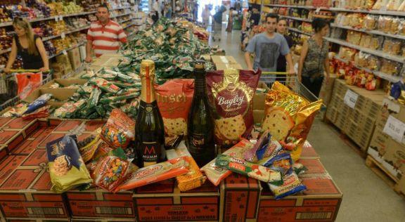 El Gobierno lanza una Canasta Navideña con cinco productos y a $ 250 en todo el país