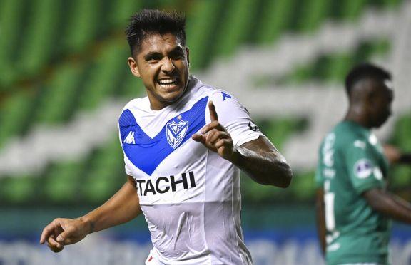 Vélez golea en Colombia y accede a los cuartos de final de la Sudamericana