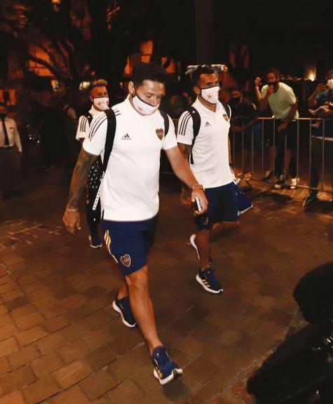 Boca inicia la serie ante el Inter en Porto Alegre