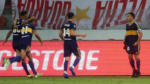 Boca pegó primero ante Inter y ganó en Brasil