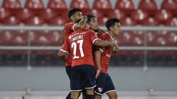 Independiente derrotó a Fénix y avanzó a cuartos de final de la Copa Sudamericana