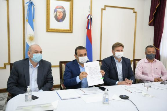 El Gobierno y Vialidad Nacional firmaron convenios para seguir avanzando en la autovía Posadas–Iguazú.