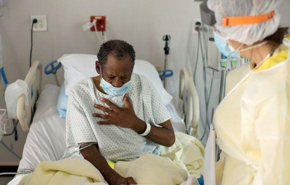 Estados Unidos marca triple récord de casos, muertes y pacientes internados