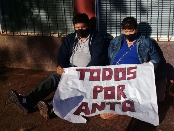 Caso Antonella: Defensoría pidió la intervención del STJ y sumarios para los policías que actuaron frente al juzgado