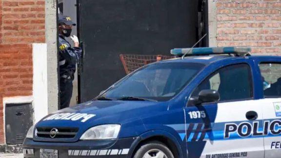 Detuvieron a cuatro policías por integrar una banda narco
