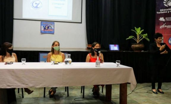 Se realizó taller de sensibilización sobre cultura sorda y lengua de señas en Montecarlo