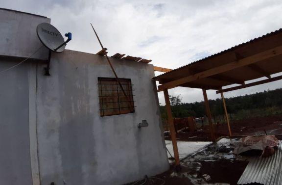 Los Helechos: ráfagas de viento provocaron voladuras de techos