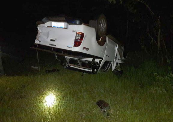Un muerto tras despiste y vuelco de una camioneta en Paraje Primavera