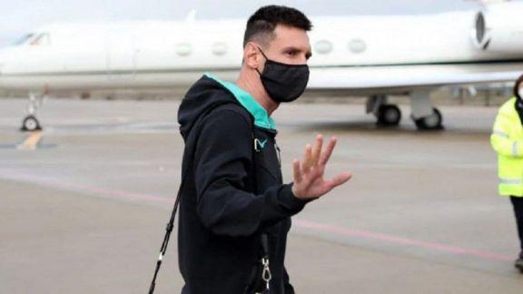 Messi se quedará hasta el martes en Rosario para recuperarse de una lesión en el tobillo