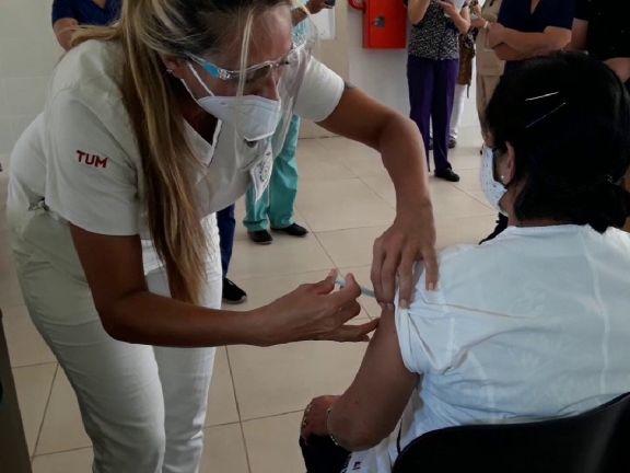 Se inició la inoculación de la Sputnik V en los hospitales de Santo Tomé e Ituzaingó