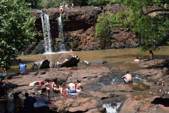 Residentes de Capioví disfrutaron del Salto este 1 de enero
