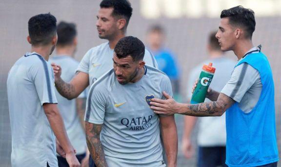 Pavón se presenta en la práctica y Russo define si lo inscribe en la Libertadores