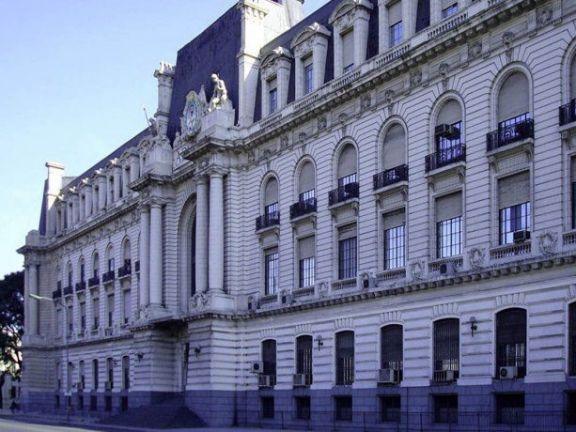 14 allanamientos en Misiones para desarticular una asociación ilícita que fugaba dinero con empresas fantasmas
