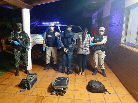Pareja detenida en Puerto Leoni con 11 kilos de marihuana