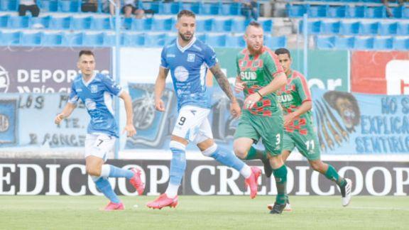 Estudiantes (RC) y Sarmiento, por un ascenso a Primera