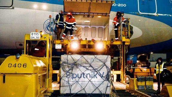 El sábado llegarán las otras 300.000 dosis de la Sputnik V