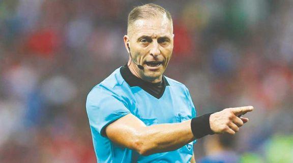 Pitana, entre los mejores árbitros de la década