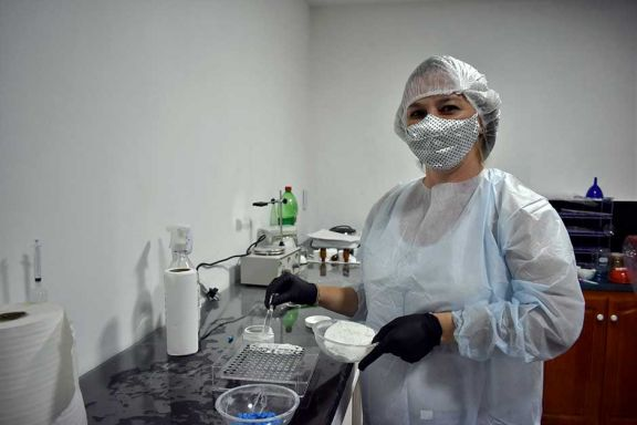 Montó un laboratorio magistral en pandemia y elabora ivermectina