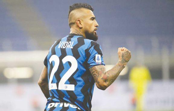 Inter, con Lautaro Martínez, derrotó a Juventus y es líder