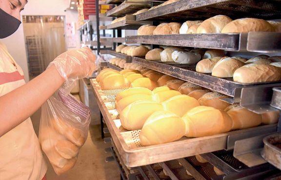 Panaderías analizarán costos tras suba del precio de harina