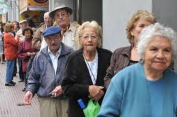 Cobran hoy los jubilados y pensionados con ingresos hasta $ 21.393 y DNI terminado en 8