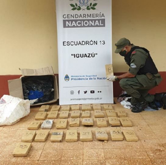 Iguazú: vieron un bulto sospechoso, denunciaron y se trataba de marihuana
