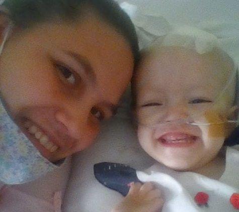 Marli tiene un año y un tumor maligno: la familia necesita ayuda para acompañarla durante el tratamiento