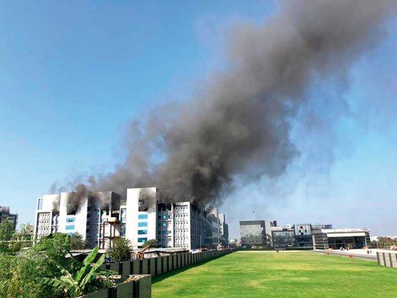 Se incendió la mayor fábrica de vacunas del mundo en India