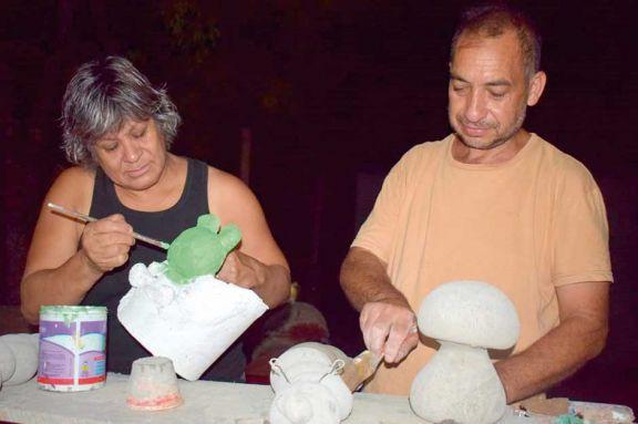 Perdieron a su hijo y el camino de la artesanía los salvó de la depresión