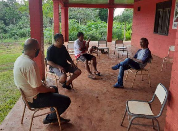 Buscan prevenir las adicciones en Yasy Porá con charlas y talleres