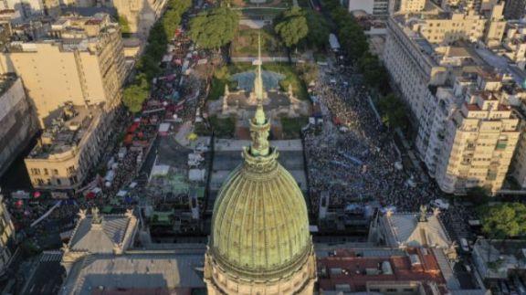 El Gobierno habilitó al Congreso a debatir modificaciones en el Calendario Electoral 2021