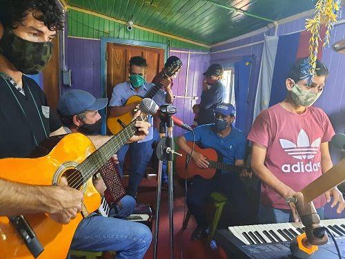 San Pedro: músicos celebraron su día con una cruzada solidaria