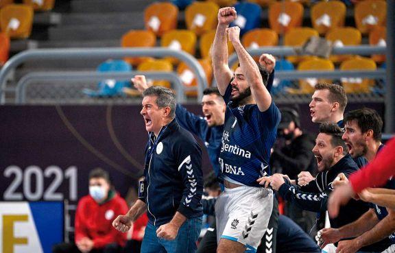 Argentina enfrenta a Qatar en busca de un histórico pase a cuartos en el Mundial de handball