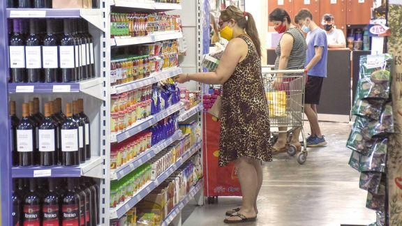 Los comercios deberán señalizar los productos más baratos para cada categoría