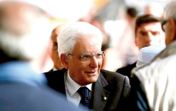 El presidente Mattarella toma las riendas de la crisis en Italia
