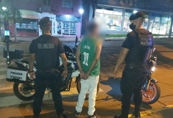 Eldorado: golpeó a su pareja y al momento de la detención quiso defenderse con un machete